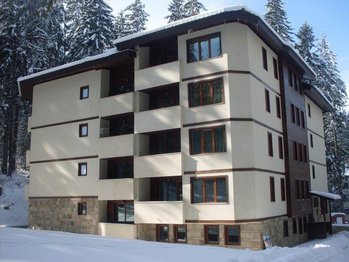 Modern One Bed Apartment (sleeps 4), vacation rental in Smolyan Province