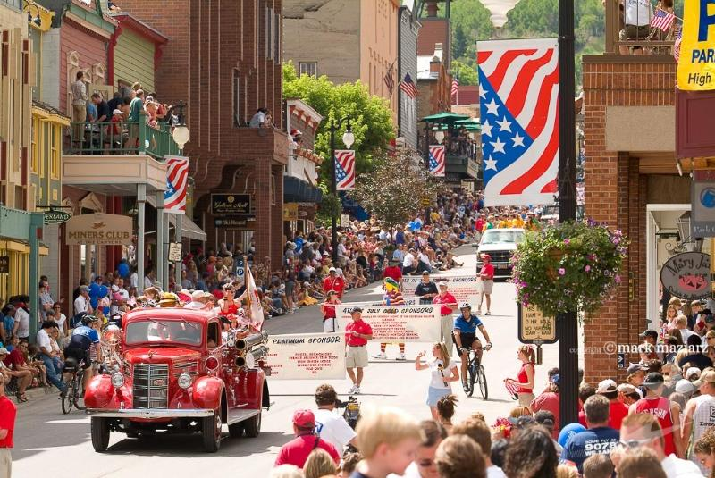 Come watch a parade. Only a 2-3 minute walk from the home.