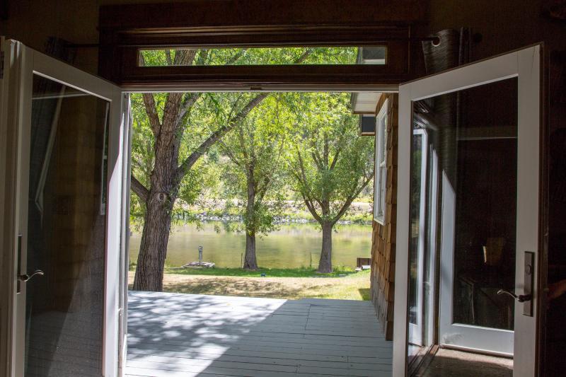Flatwater Lodge - Stickney Room Deck
