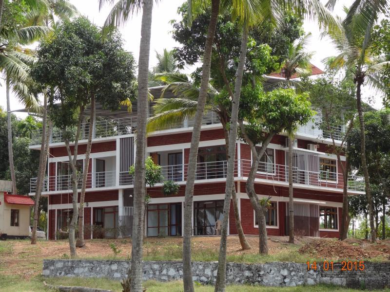 Paravur Lake House near Varkala, vacation rental in Kollam