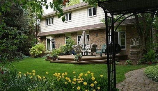 Oakville Bed and Breakfast, vacation rental in Oakville