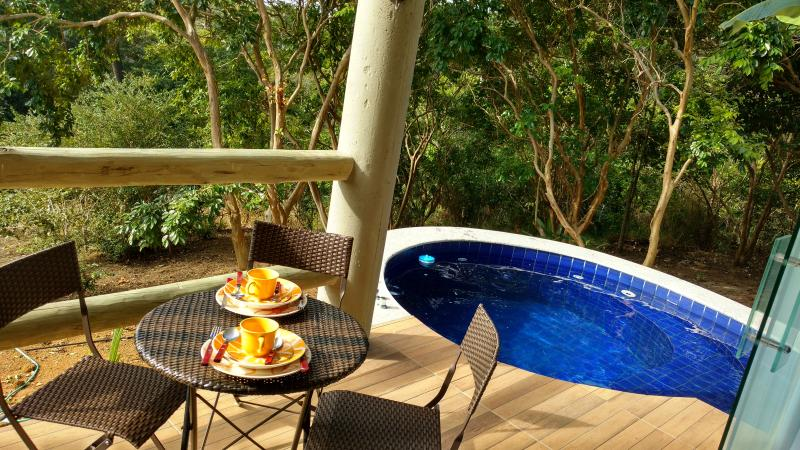 Bungalow - balcony with stunning views of the Atlantic Forest, gourmet terrace and private jacuzzi