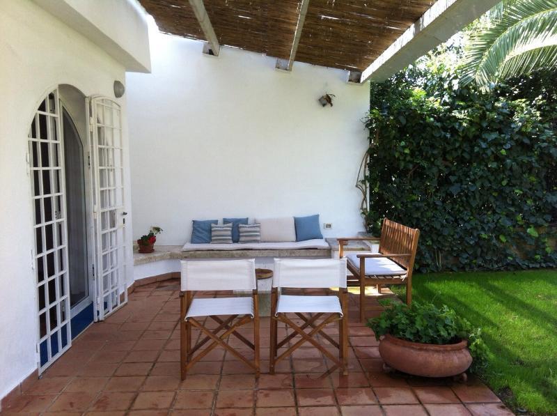 A casa di Maurizio, a nice villa in Puglia, holiday rental in Marina Di Ostuni