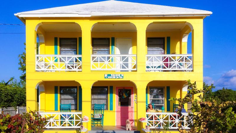 Bahama Breeze Island Villa, holiday rental in Saint Georges Island