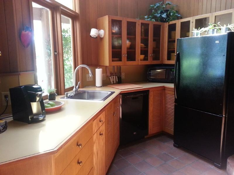 A Quiet Studio in a Park-Like Setting, holiday rental in Kenmore