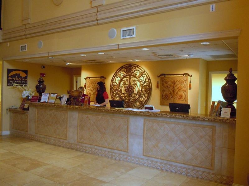 Anderson Ocean Club Front Desk