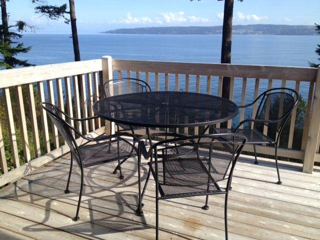 Waterfront retreat with panoramic sea views, alquiler vacacional en Coupeville