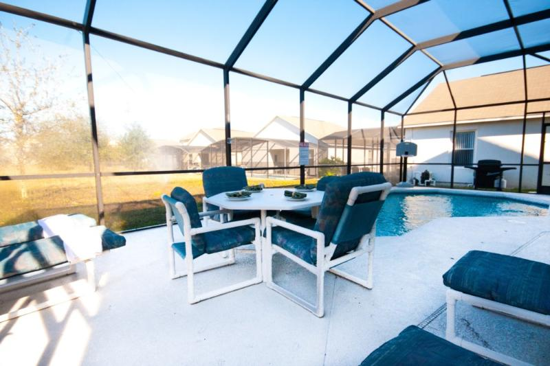 Al Fresco dining by your own pool