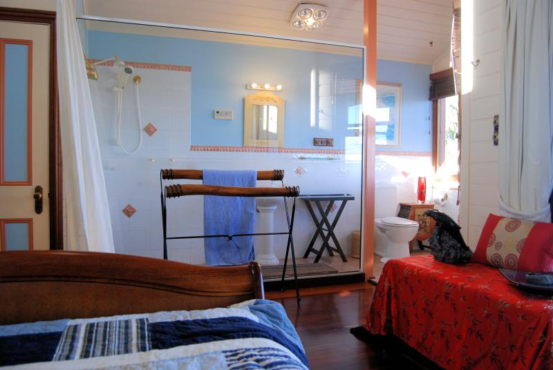 Main bedroom ensuite with private deck for two and with the best ocean/surf views.....