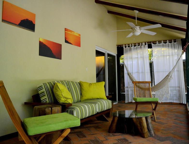 Very Private: La Casita, Playa Hermosa, Guanacaste, vacation rental in Playa Hermosa