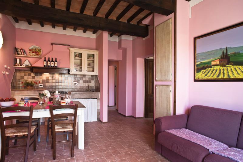 Podere Campaini appartamento Rosa, holiday rental in Volterra