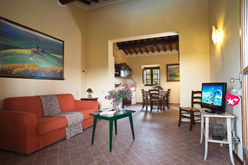 Podere Campaini appartamento Alchechengi, holiday rental in Villamagna