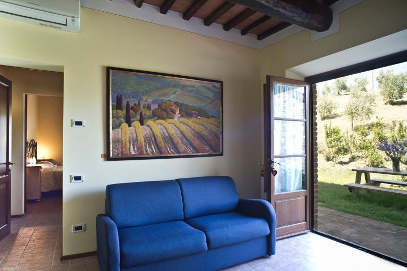 Podere Campaini appartamento Narciso, holiday rental in Volterra