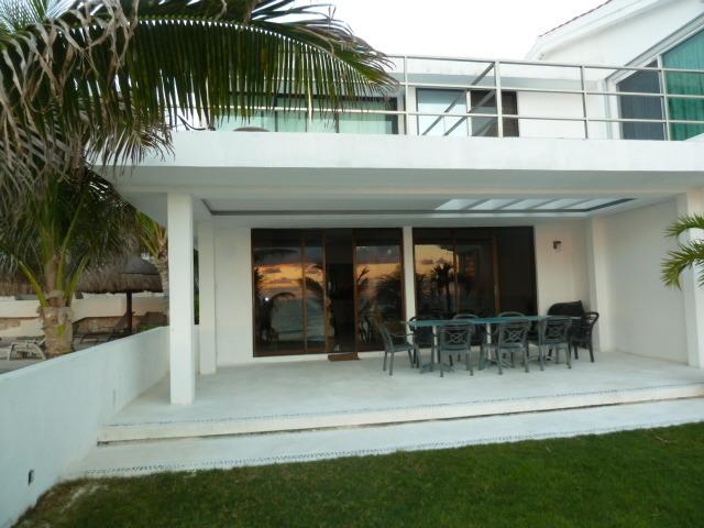 Beach Front Villa, holiday rental in Cancun