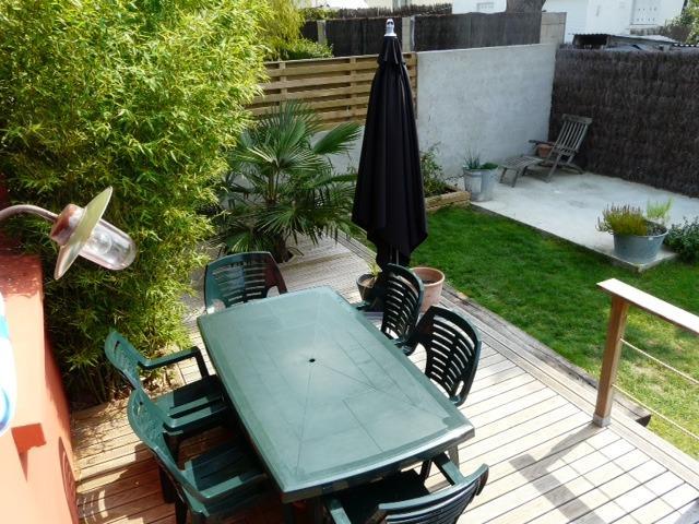 Terrasse plein sud coté jardin