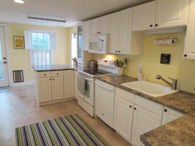 Fully equipped kitchen with a dishwasher - 21 Beechwood Road Centerville Cape Cod New England Vacation Rentals