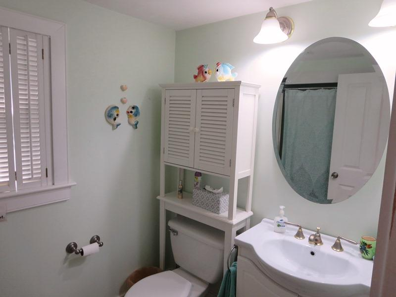 Full bathroom on the main level off of the kitchen with a tub/shower - 21 Beechwood Road Centerville Cape Cod New England Vacation Rentals