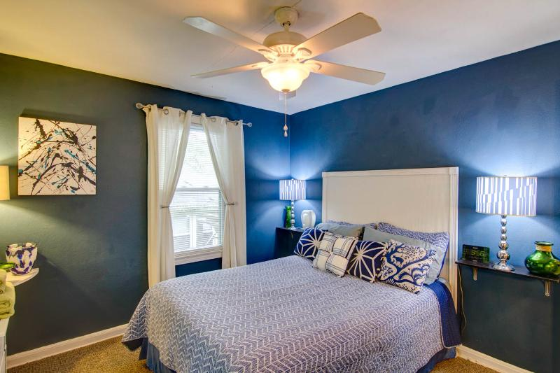 Tranquil boudoir with a blue theme.
