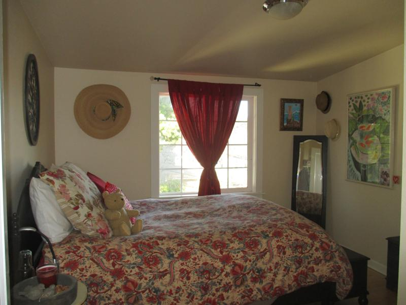 Upstairs bedroom with really comfy Bed!