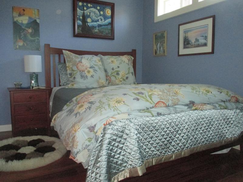 Downstairs Bedroom SUPER CUTE