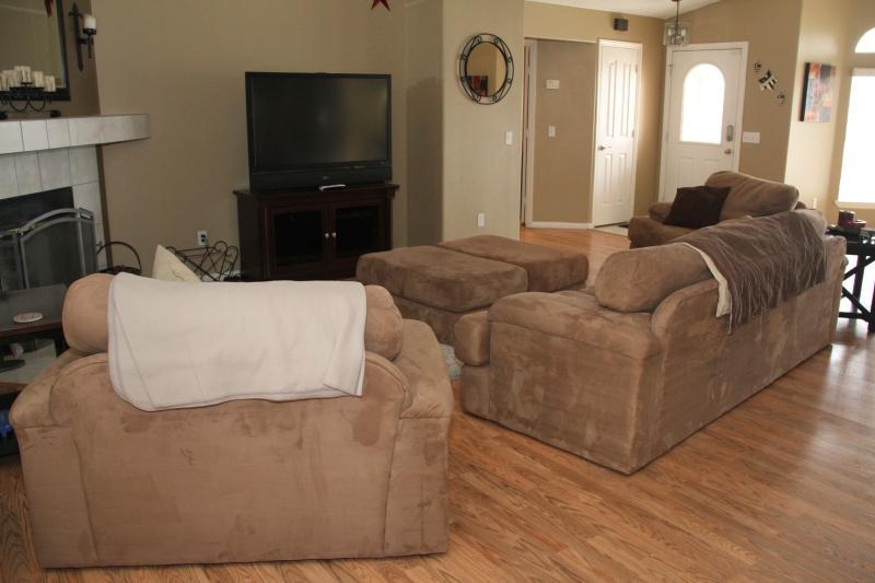 Living Room w/Fireplace