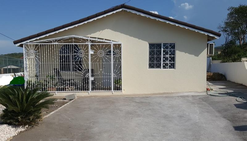 2Bdrm, 2Bthrm Villa btwn Montego Bay & Ocho Rios!, vacation rental in Jamaica