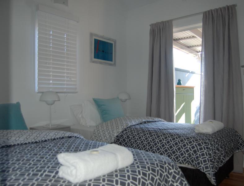 Schlafzimmer 2 - King oder Twin-Konfiguration - hier Twin-Konfiguration - Blick nach West Deck