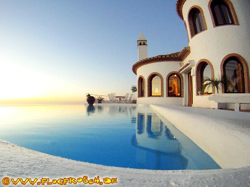 VILLA ALMAYSIA  *** INFINITY POOL *** 300° VIEWS, holiday rental in Salobrena