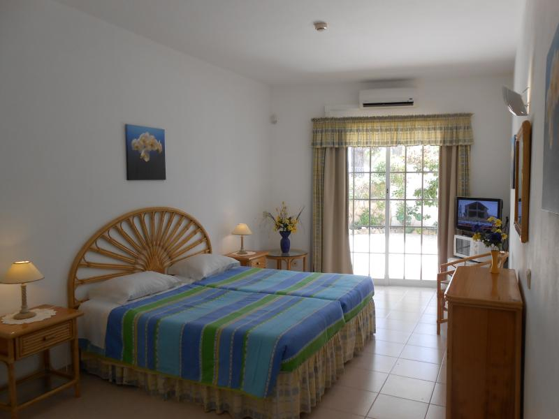 DONA ANA GARDEN -- Rooms, holiday rental in Faro District