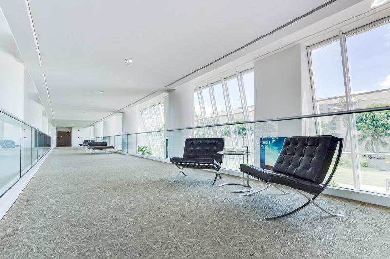 4th Floor sitting area