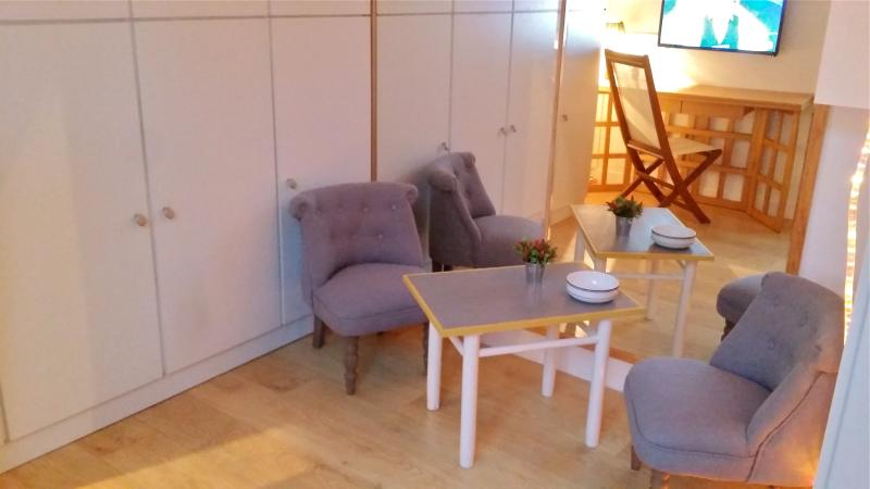 COSY HOME subway 15 mn Paris center, holiday rental in Villemomble