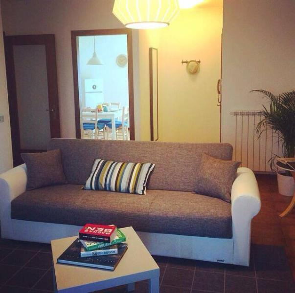 Apt Borgo Fiorito - Feel like home, vacation rental in Frescada