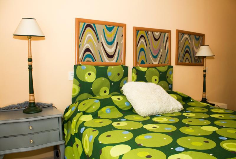Habitacion con cama doble
