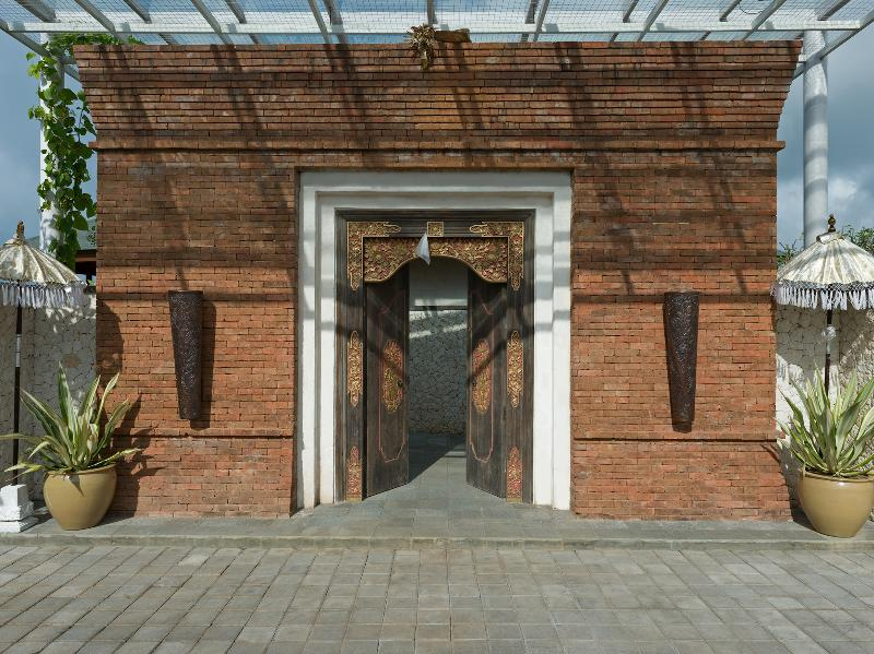 Pandawa Cliff Estate - Villa Marie - The entrance