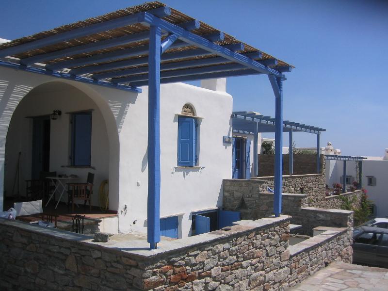 Luxury 2Flr Villa Near Gorgeous Beach Tinos Greece, holiday rental in Triantaros