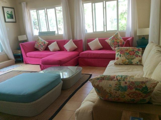 Living room - Furnished with comfortable oversized furniture