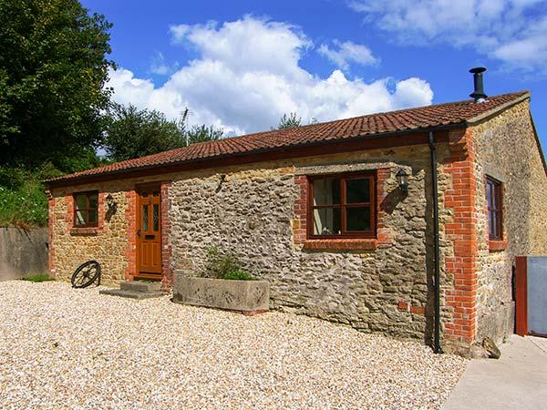 THE BARN detached, single-storey, woodburning stove on a working farm in, holiday rental in West Coker