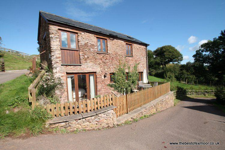 The Granary, Luxborough - Converted barn on a working farm in beautiful Exmoor N, vacation rental in Winsford