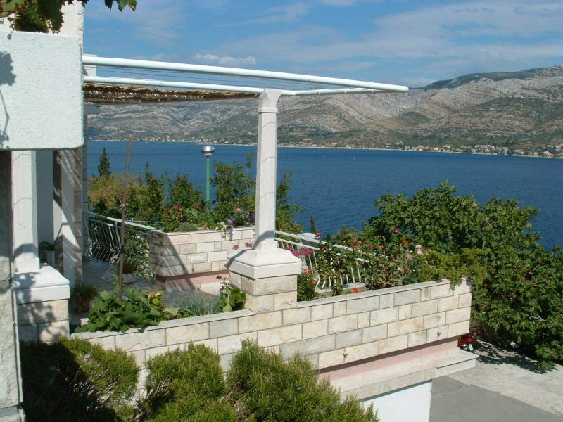 Korcula Apartment Sleeps 6 - 5405779, holiday rental in Medvinjak
