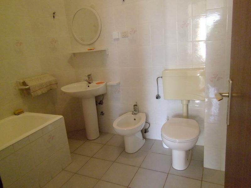 A1 Sjever(4+1): bathroom with toilet