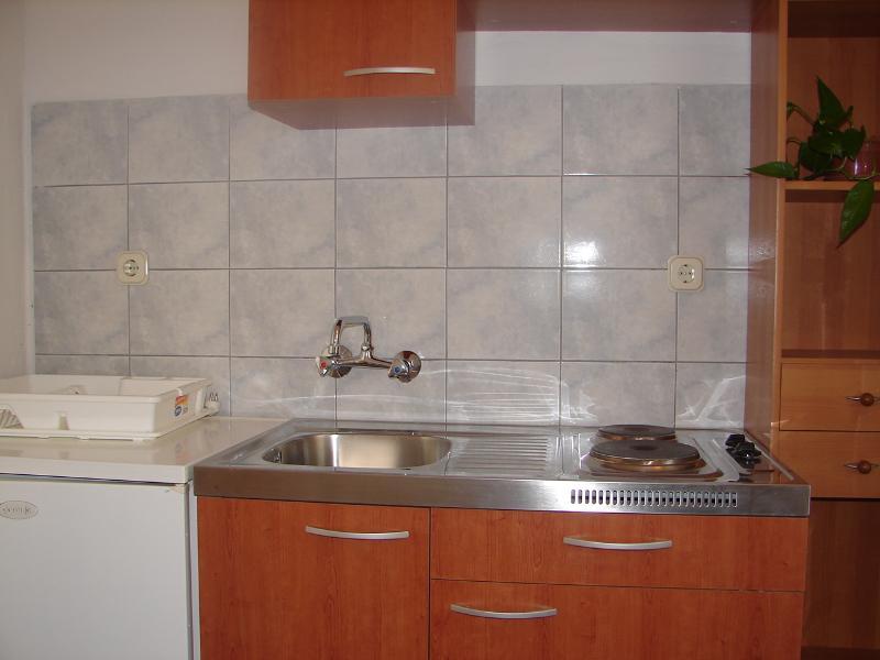 A2(3): kitchen