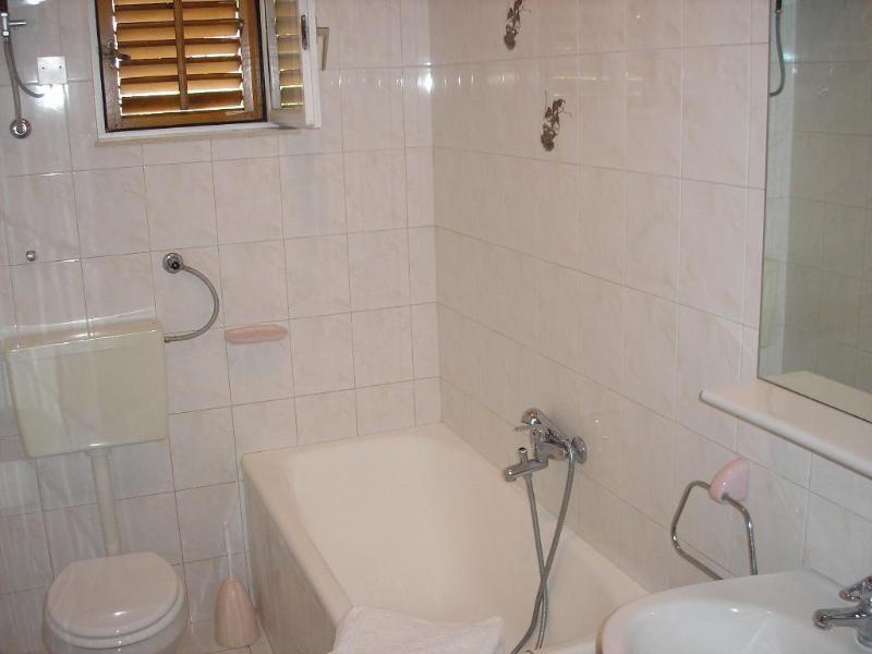 A3(4): bathroom with toilet