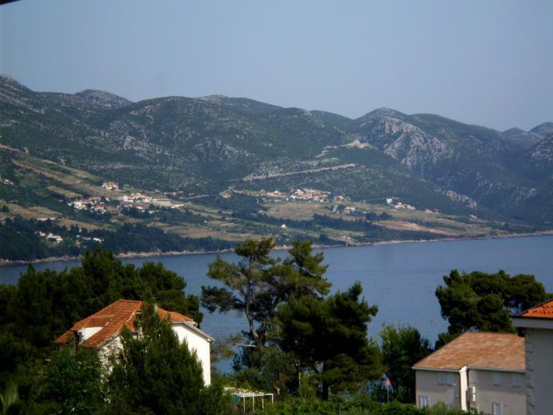 A4(4): sea view