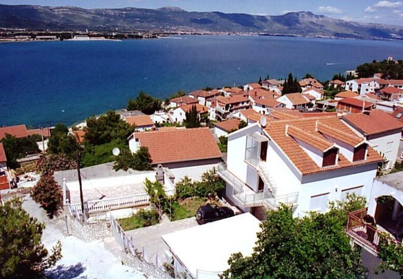 Mastrinka Apartment Sleeps 3 - 5409032, holiday rental in Zedno