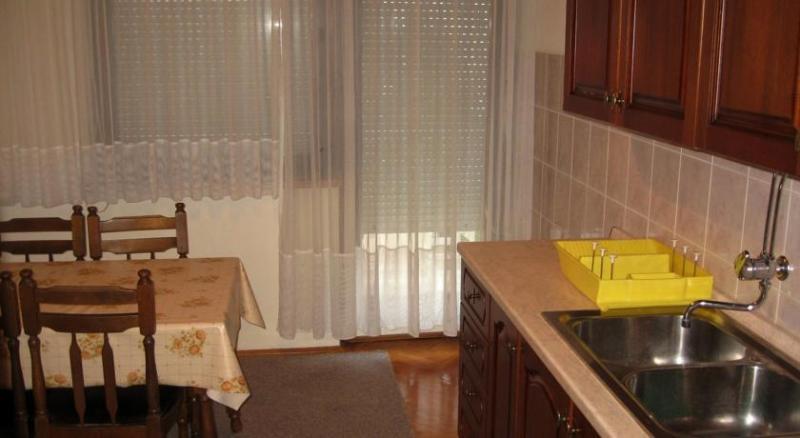 A1(4+1) : cuisine et salle à manger