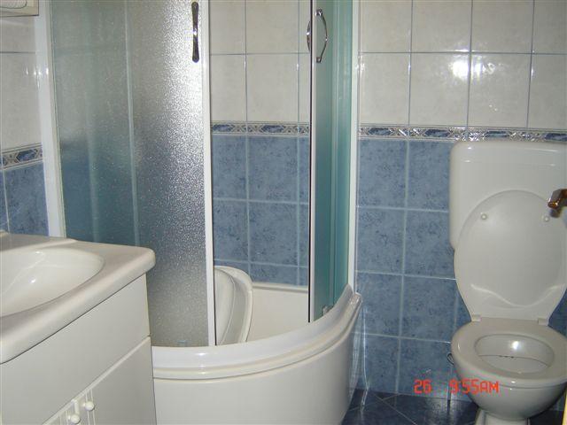A2 Plavi (2 + 2): Bad mit WC