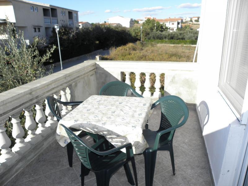 SA4(1+3): terrace