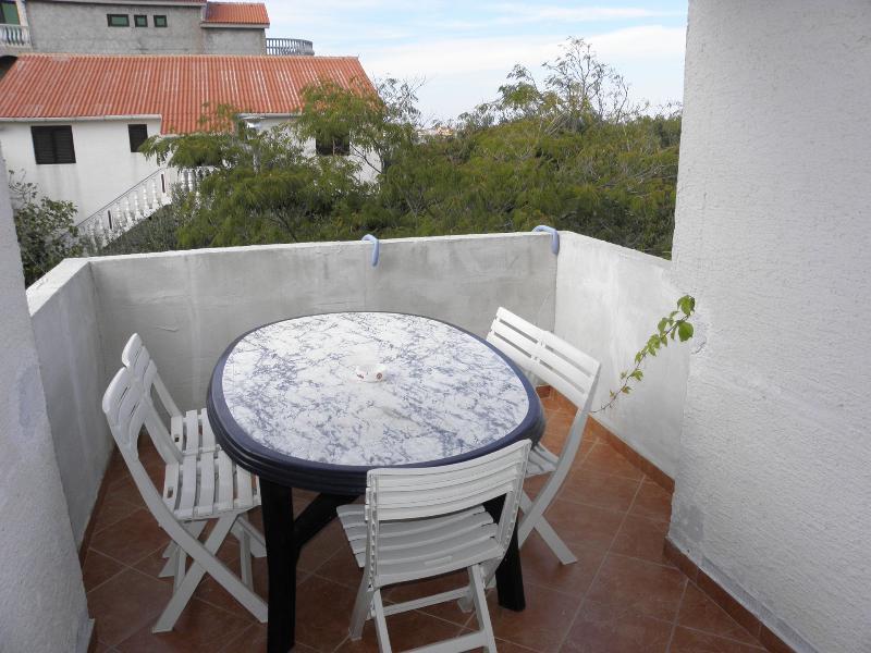 SA5(2+2): terrace