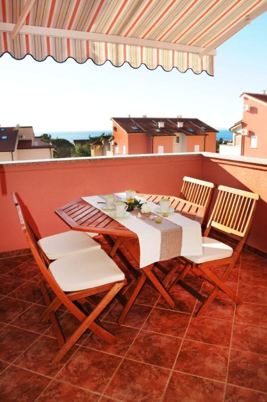 A2(4+3): terrace