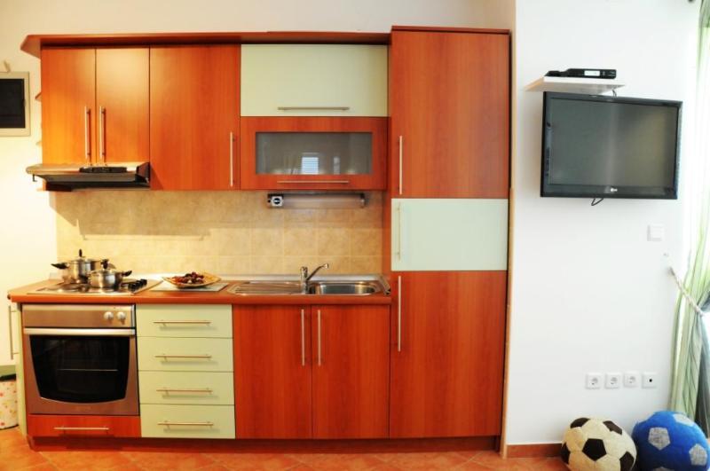 A2(4+3): kitchen